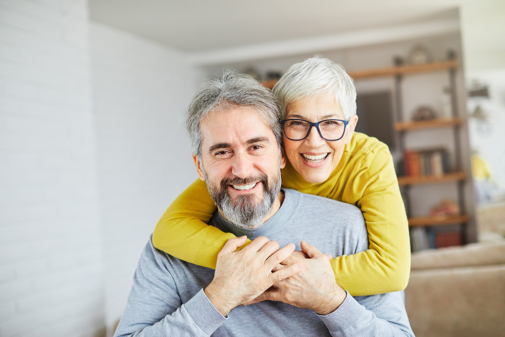 What Is the Difference Between Dentures and Partials?